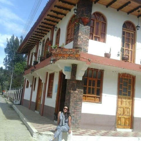 El Rancho del Abuelo Santos.