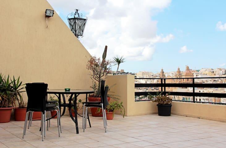 SeaFront Penthouse near Valletta  - Tal-Pietà - Apartemen