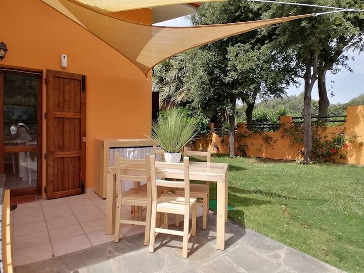 Casa Bea a 300mt dal mare Chia Sardegna IUN Q0068