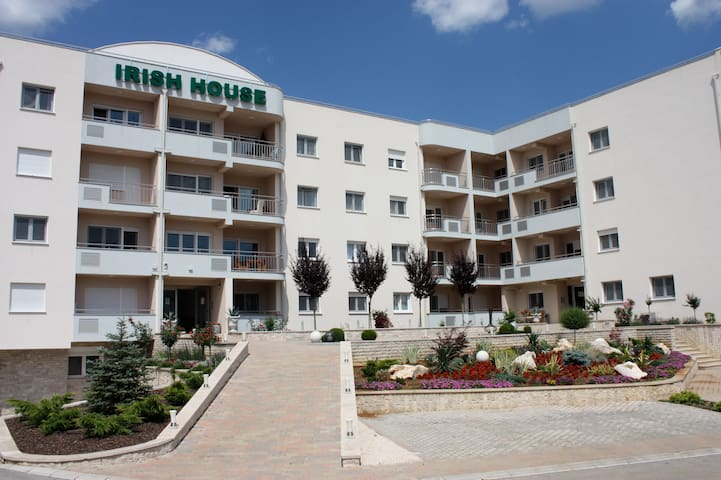 Irish House 1 Bedroom Apartment - Medjugorje - Huoneisto