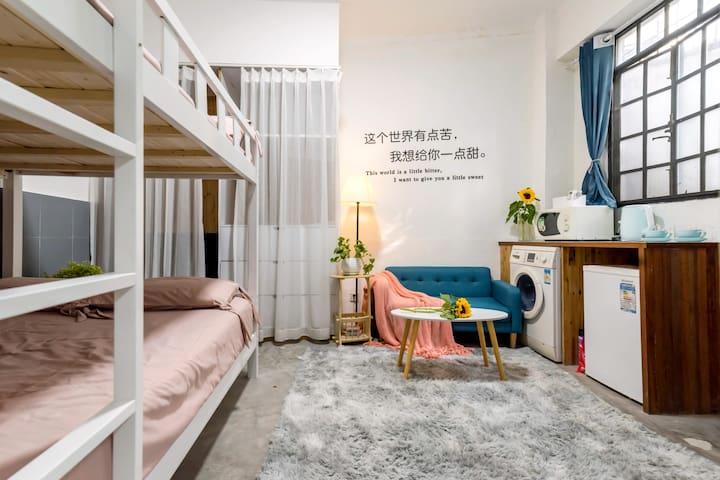 淮海中路200米/一楼独门进出/整套全独用/烘干洗衣机/1.5米上下床整套/限时特惠/性价比优选