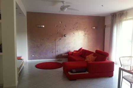 Ampio appartamento comodo a Lago e servizi - Bedizzole