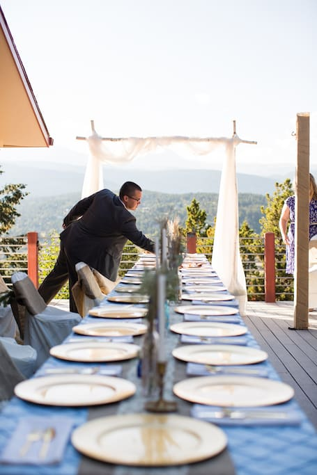 Wedding on the Pinecliff House deck