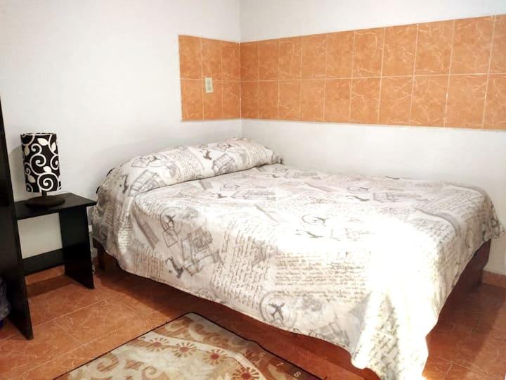 Habitacion con Excelente Ubicacion Roma 17
