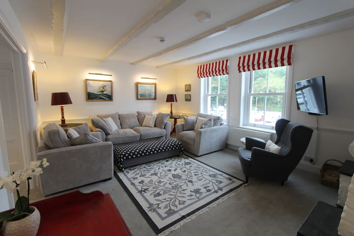 HQ: Large three-bed, recently refurbed Fowey home - Fowey - Apartment