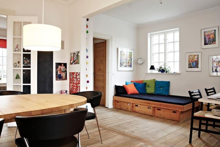 Spacious Villa - close to City - Kopenhagen - Haus