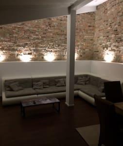 Moderne Loftähnlich Wohnung zwischen Köln & Bonn - Bornheim