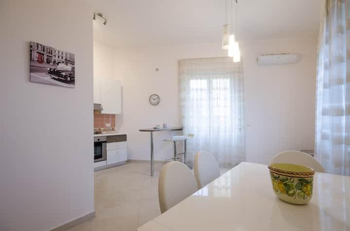 ... Elegant apartment in Via Del Mare ...