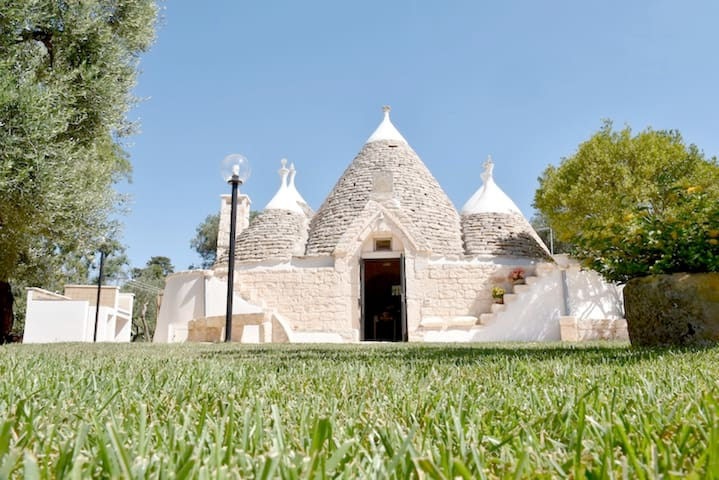 Trullo for rent in Puglia - San Michele Salentino - Holiday home