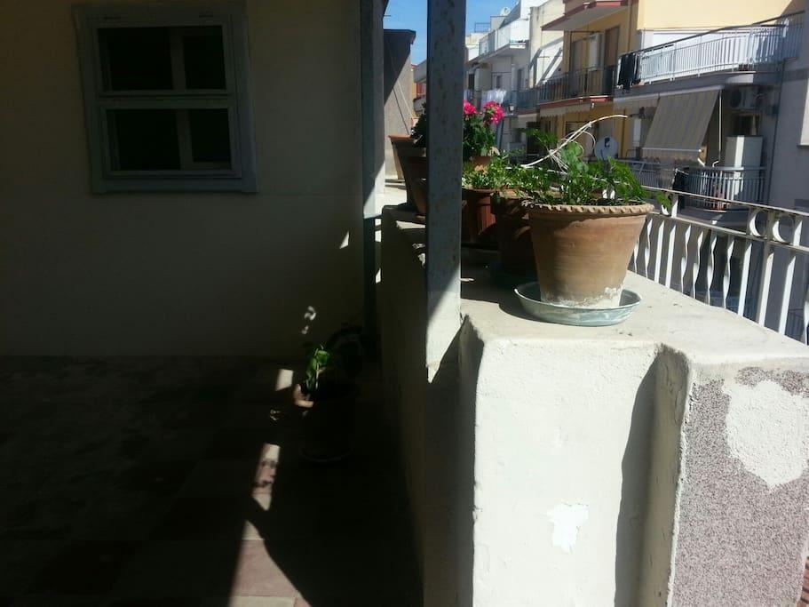 Bilocale con terrazzo a barletta appartamenti in affitto for Appartamenti arredati in affitto barletta