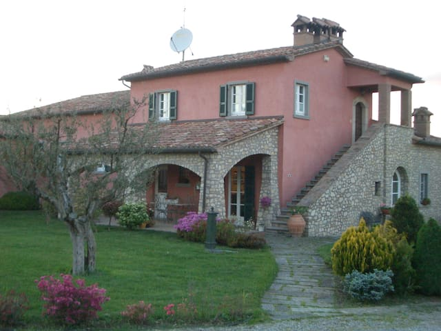 "Il ""Bocatino"" - Holiday Home - Citerna - Appartement"