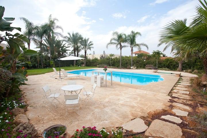 Vila Mia Caesarea a charming House