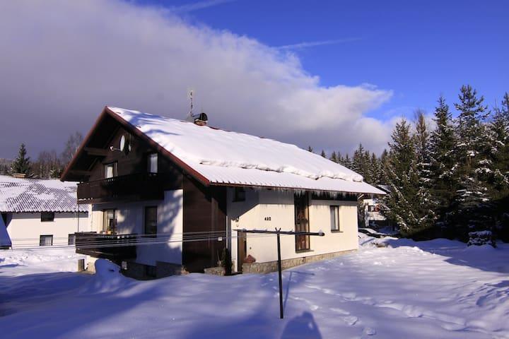 Cosy guest house, central Harrachov - Harrachov - Bed & Breakfast