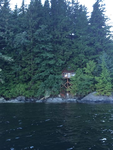 Inlet Cabin