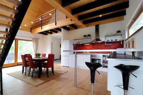 Design Custom Wooden House, vista al lago