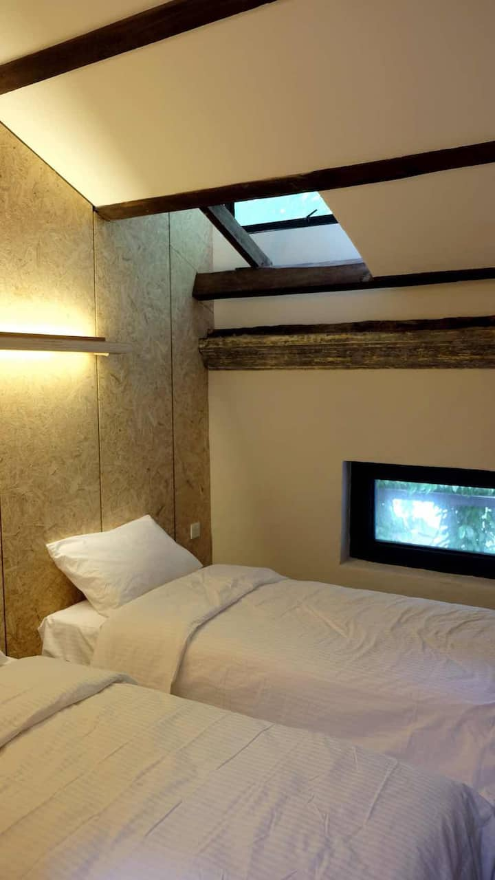 -20% Ipoh Kong Heng Twin Room with Shared-Bathroom
