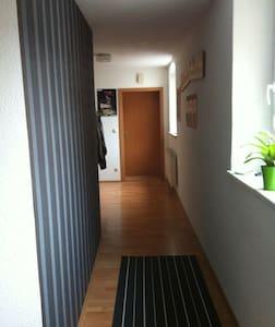 Nettes Zimmer mit Schlafsofa - Waldsassen - Appartement