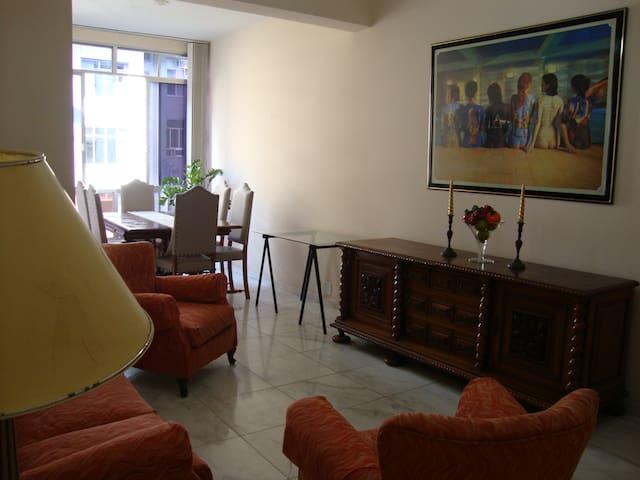 NICE FLAT IN RIO (COPACABANA)! - Rio de Janeiro - Apartment