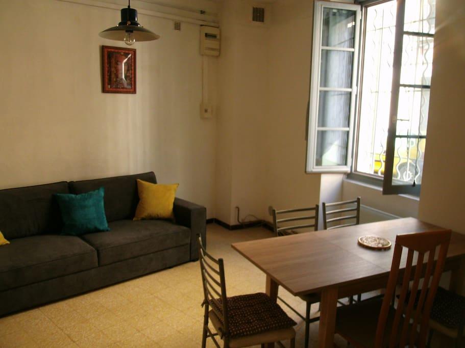 studio meubl dans l 39 intramuros d 39 avignon appartements louer avignon provence alpes c te. Black Bedroom Furniture Sets. Home Design Ideas