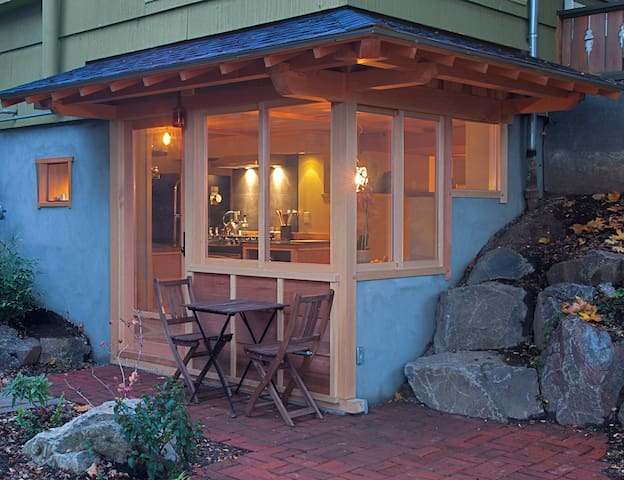 Handcrafted Japanese Woodworking - Portland - Casa