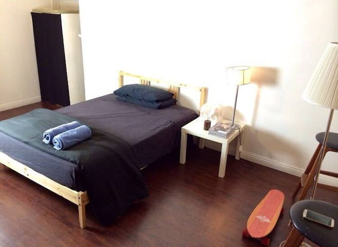 Cozy private room 3 in Mid-City