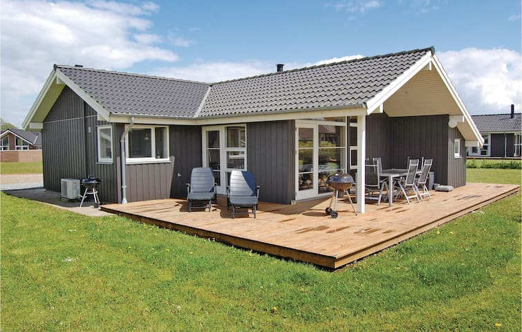 Holiday cottage with 3 bedrooms on 94m² in Haderslev