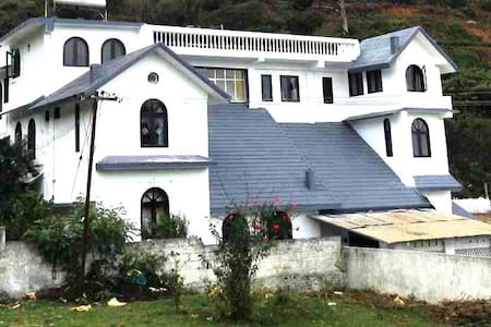 Cottage - 2 Double Bed - Room #9 - Ooty
