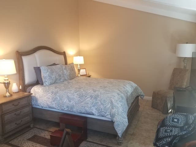Cozy home near all San Diego destinations!