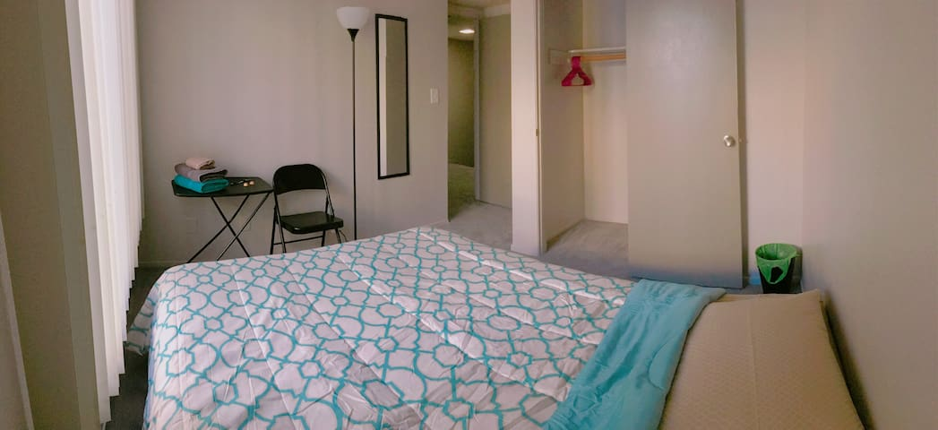 Perfect Room Next to UNLV