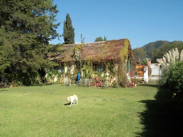 Casa Tilostoc the countryside near Valle de Bravo