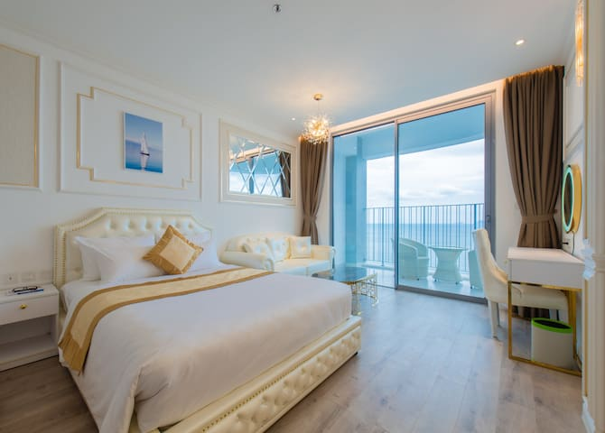 ✯Luxury 5✯ Bedroom & Balcony With Ocean View