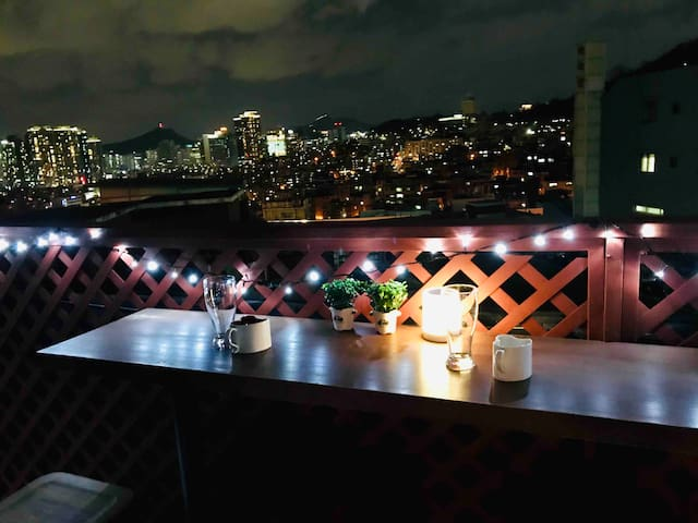 Amazing rooftop view in hipster area. Near namsan