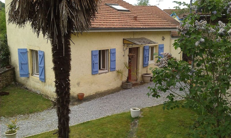 Nice House near Pau, Nay, Lourdes - Baliros - House