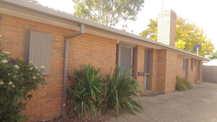 Entire house - in Werribee