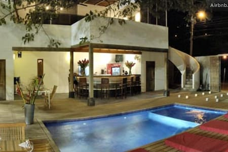15 love bnb #1 bedroom - tamarindo - Bed & Breakfast