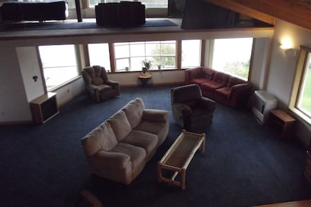 Eagles View penthouse apartment - Willow - Apartment