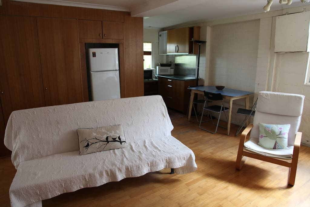 room for living brisbane inner city self contained studio appartements 224 louer 224 17938
