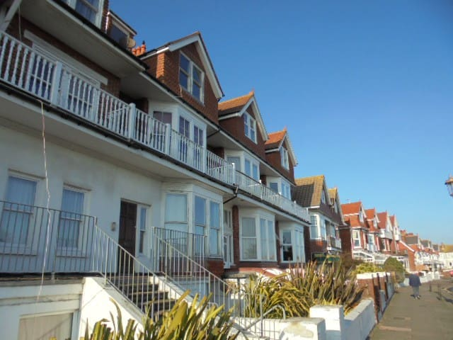 Seabreeze with Seaview! - Eastbourne - Huoneisto