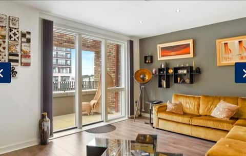 New Riverside London Apartment- City Airport-Excel