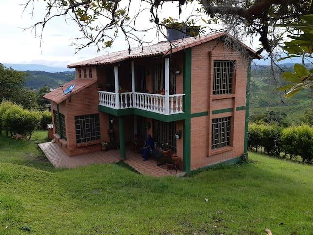 Presiosa Cabaña Familiar Ruta del Bocadillo
