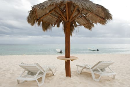 Condo right on the Water - w Pool! - Akumal