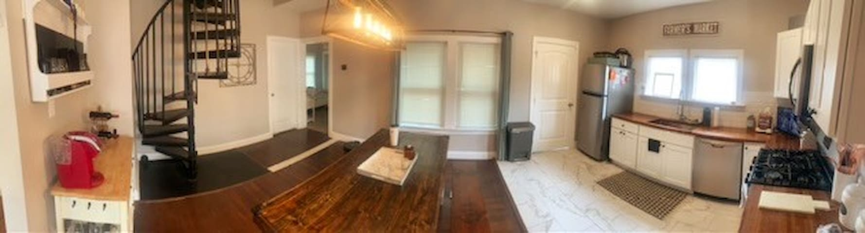 Private Room in Newly Renovated Home
