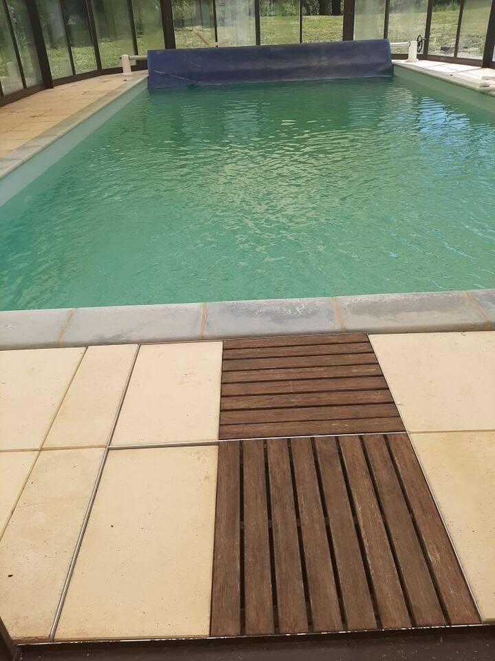 Maison au calme à la campagne avec piscine