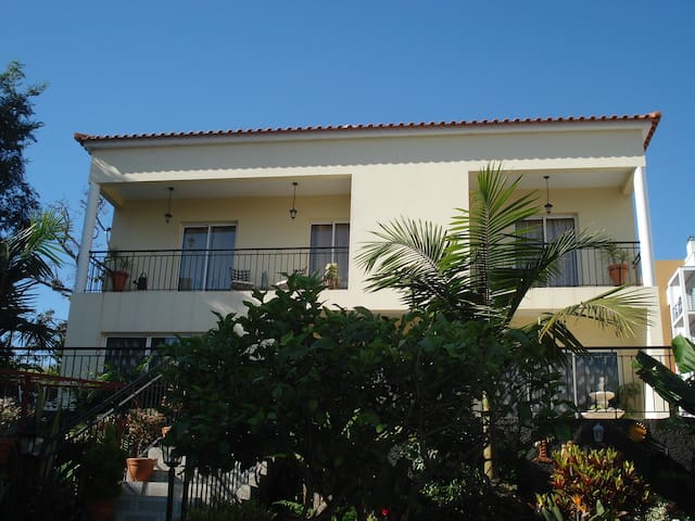 Villa with a breathtaking view - Funchal - Talo