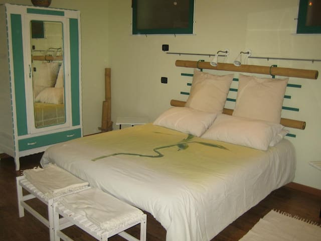 B&B Lagi - Stanza Verde - Isolabella - Bed & Breakfast