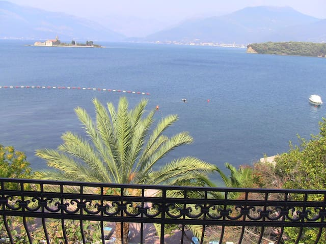 Luxury apartments at the sea beach - Tivat - Pis