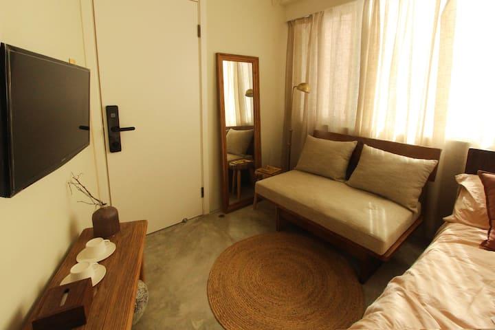雙人獨立房間A 鄰近佐敦尖沙嘴高鐵站 Private double room 1min to MTR