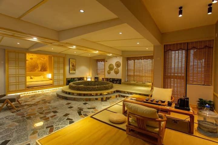 日式豪华锶温泉水疗套房(1703房)
