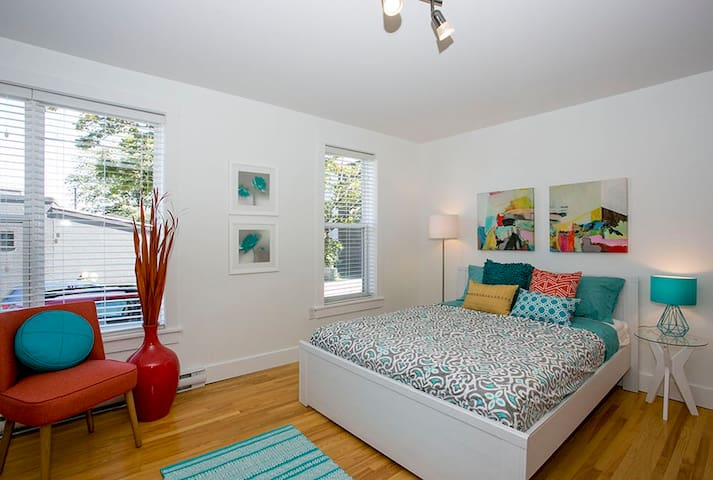 Bright, self-contained Halifax Pad!