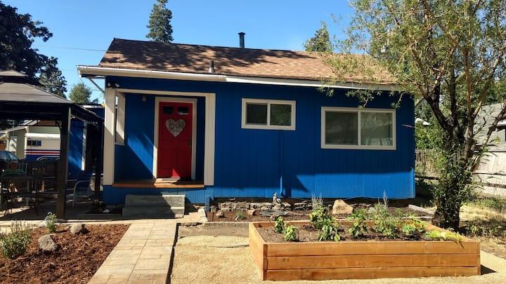 Old Bend Colorado House - cozy cottage
